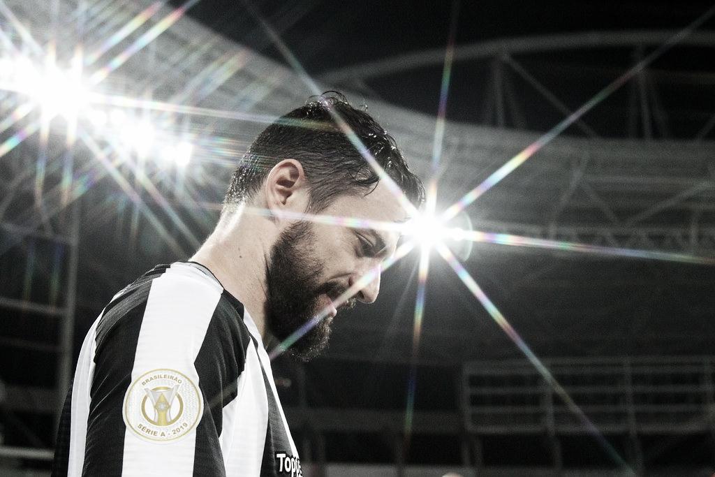 """João Paulo enaltece bom início do Botafogo no Brasileirão: """"Promissor"""""""