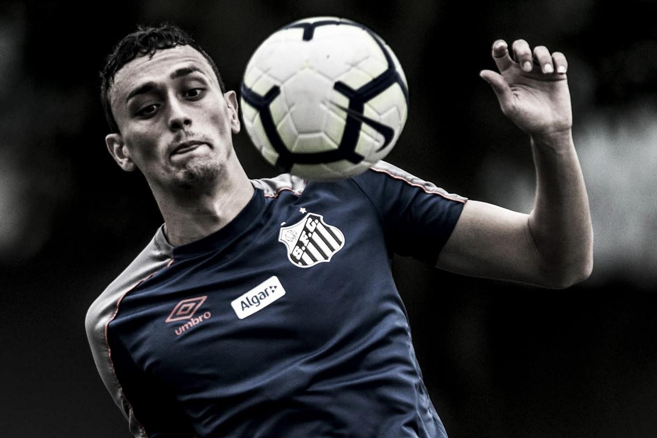Diego Pituca renova com Santos até 2023