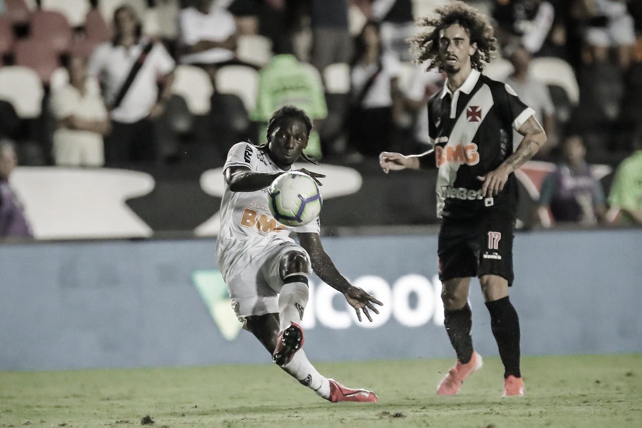 Elias e Chará marcam golaços, Atlético-MG vence Vasco e assume vice-liderança do Brasileiro
