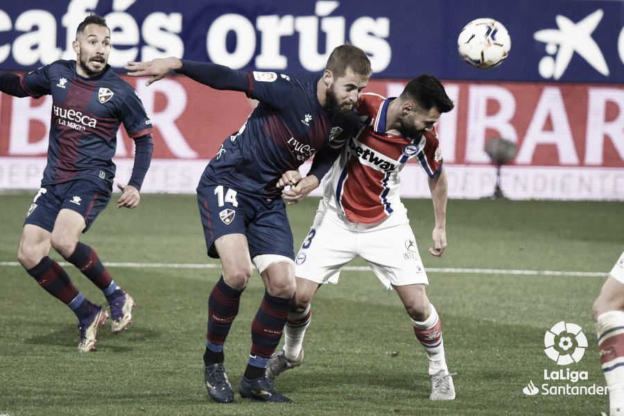 Previa Deportivo Alavés vs SD Huesca: la vida en noventa minutos