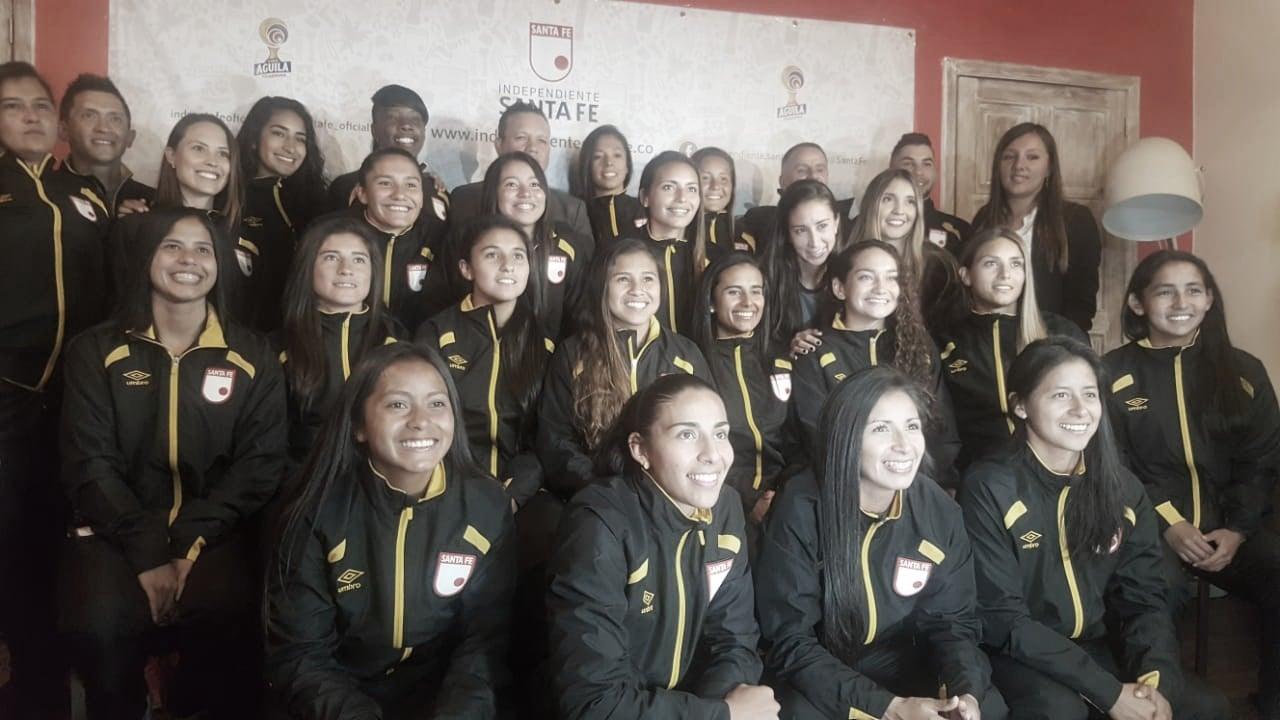 Independiente Santa Fe presentó su equipo femenino