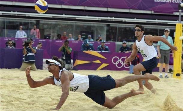 Jornada sin sobresaltos en el volley playa