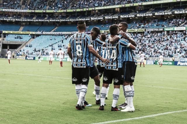 Grêmio goleia São Luiz e final do Gauchão será de clássico Gre-Nal