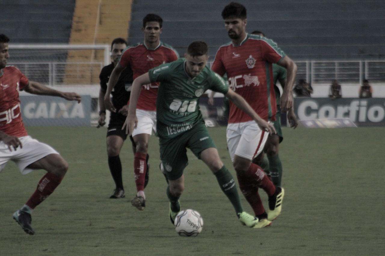 Boa Esporte vence Guarani e mantém esperança de permanecer na Série B