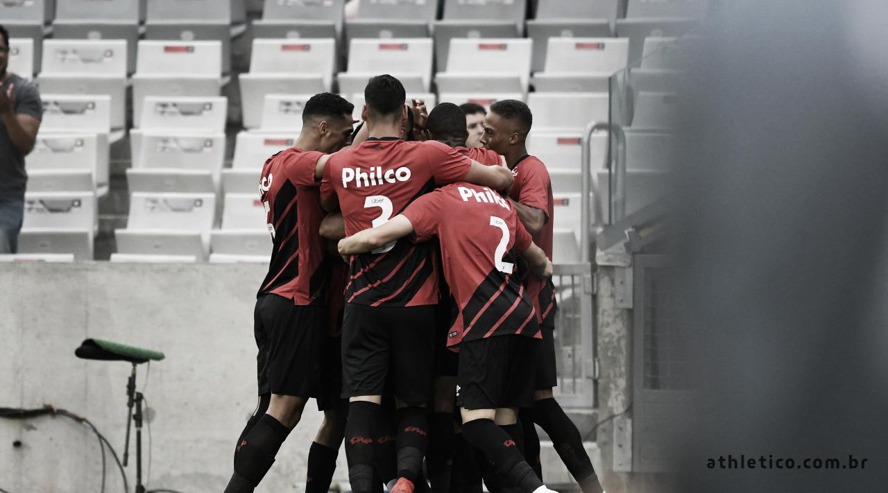 Nova geração do Athletico-PR ganha espaço e comanda equipe no estadual