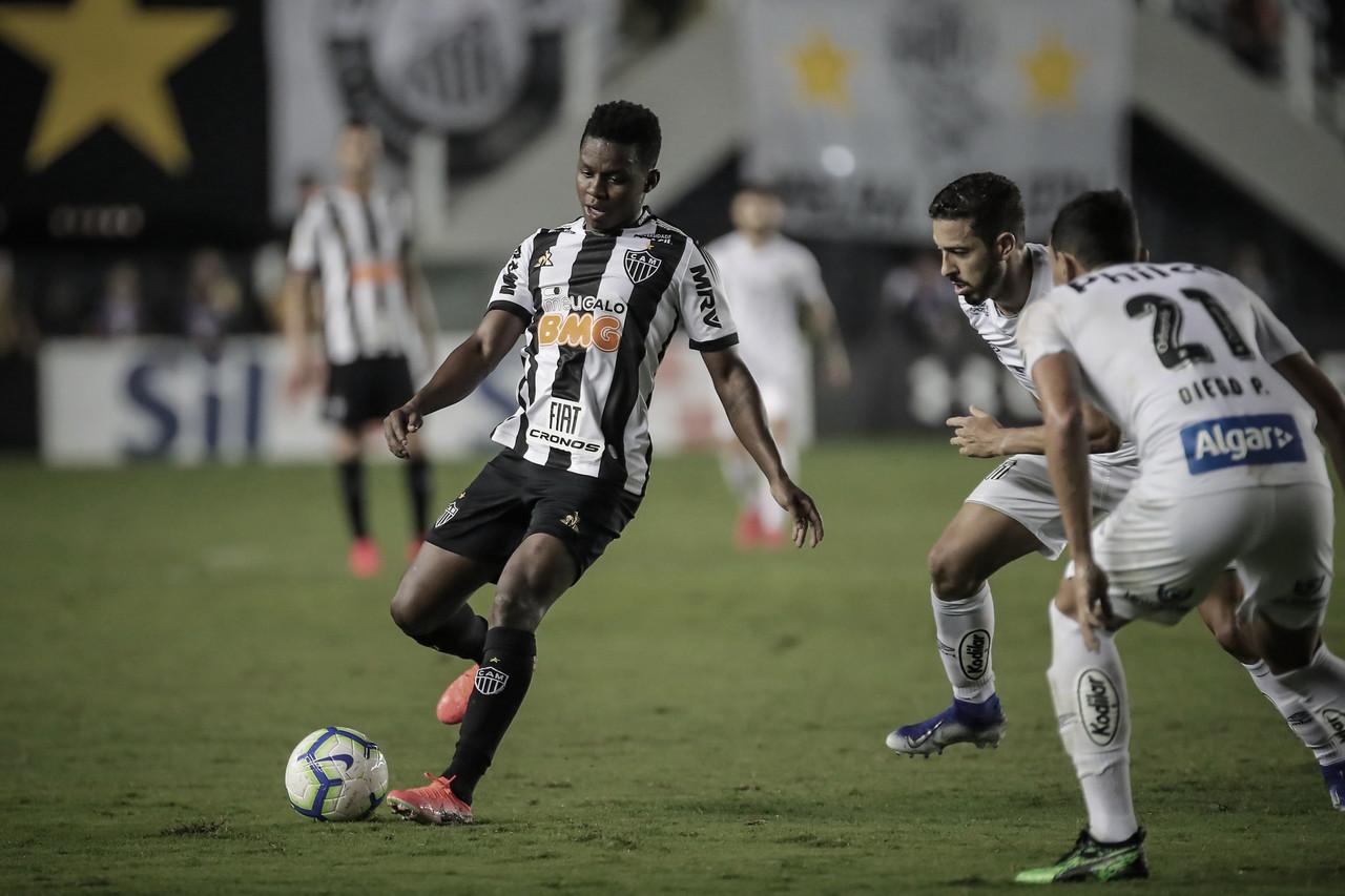 Com casa cheia, Atlético-MG tem desafio complicado contra Santos em busca de reabilitação