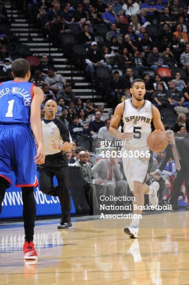 Los Spurs vencieron sin problemas a los Sixers