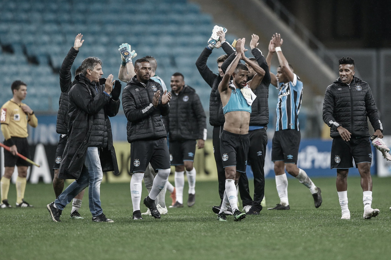 """Com time misto, Portaluppi exalta desempenho do Grêmio: """"Está de parabéns"""""""