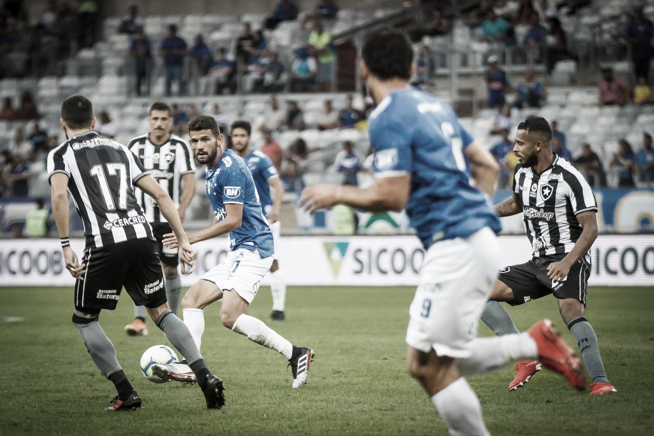 Sem inspiração, Cruzeiro e Botafogo ficam no empate sem gols no Mineirão