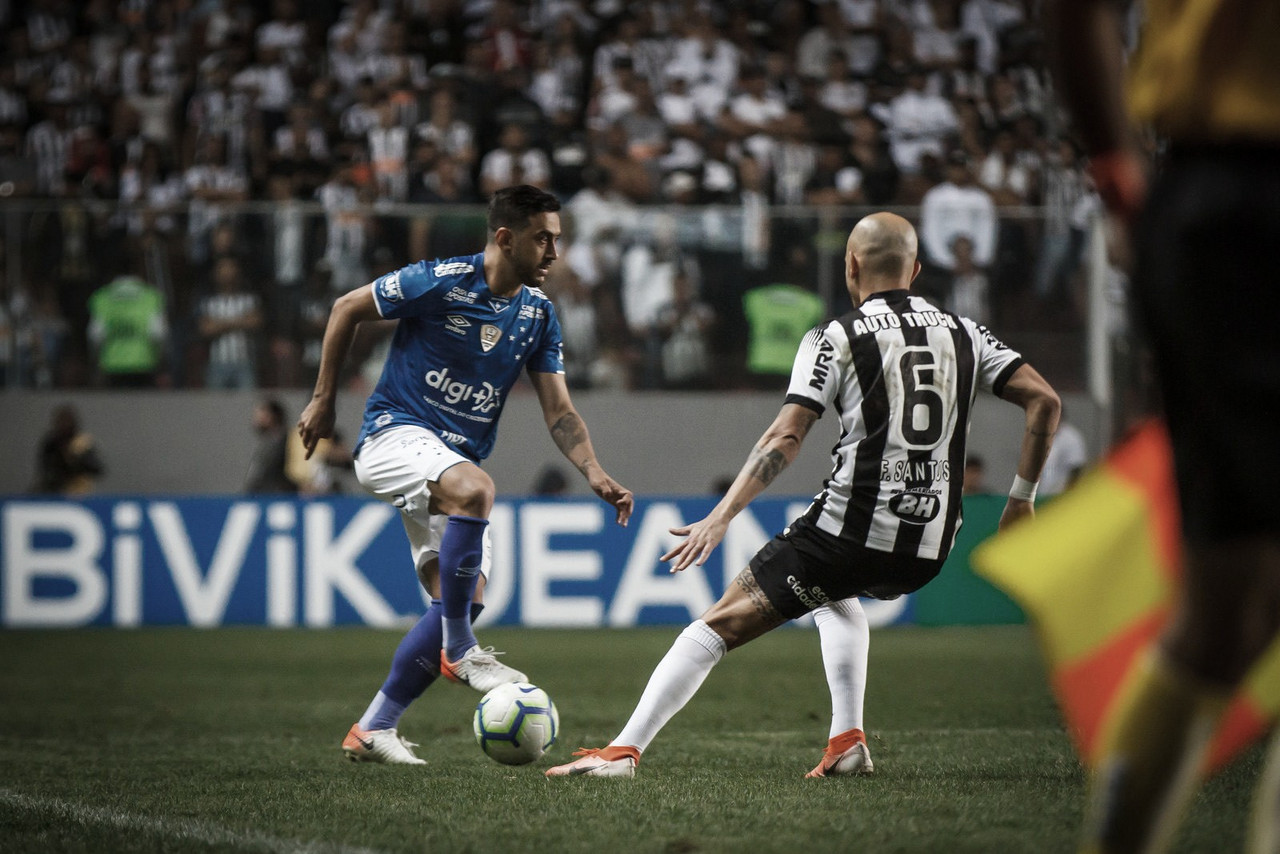 Em lados opostos na tabela, Atlético-MG e Cruzeiro fazem clássico no Brasileirão