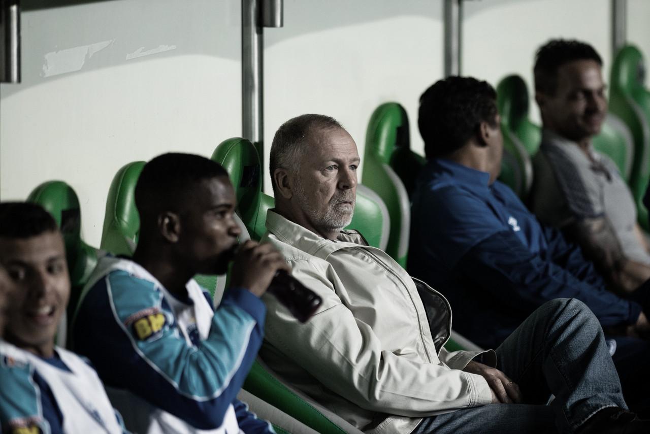 Mano Menezes reconhece mudanças na postura do Cruzeiro e afirma não querer ser o 'empecilho'