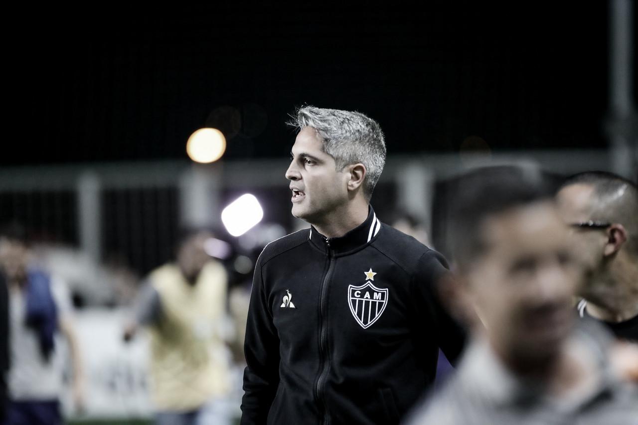 Rodrigo Santana comemora vitória do Atlético-MG e uma semana livre para treinos