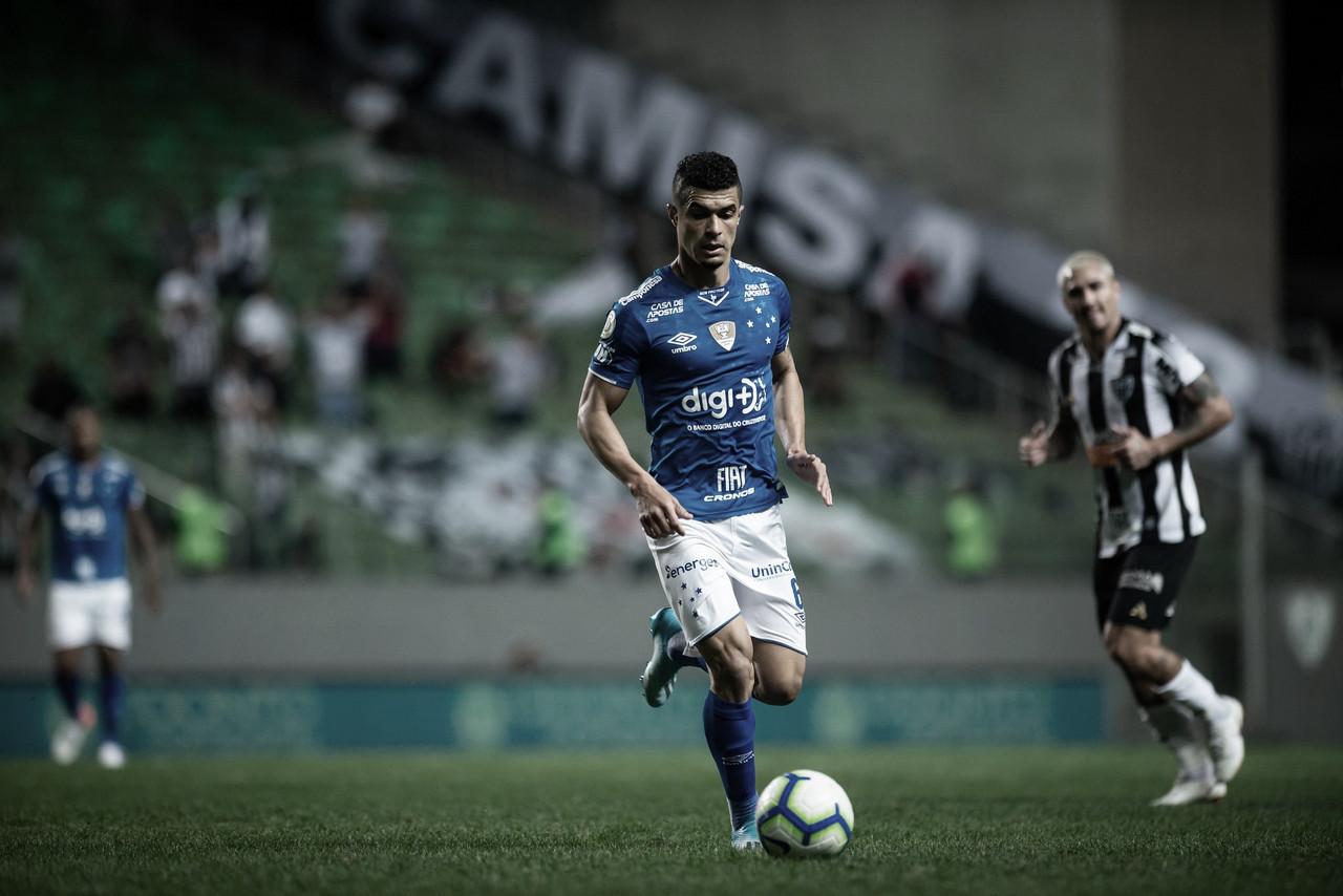 Experientes em baixa e jovens em alta: Cruzeiro e Atlético-MG fazem clássico das coincidências