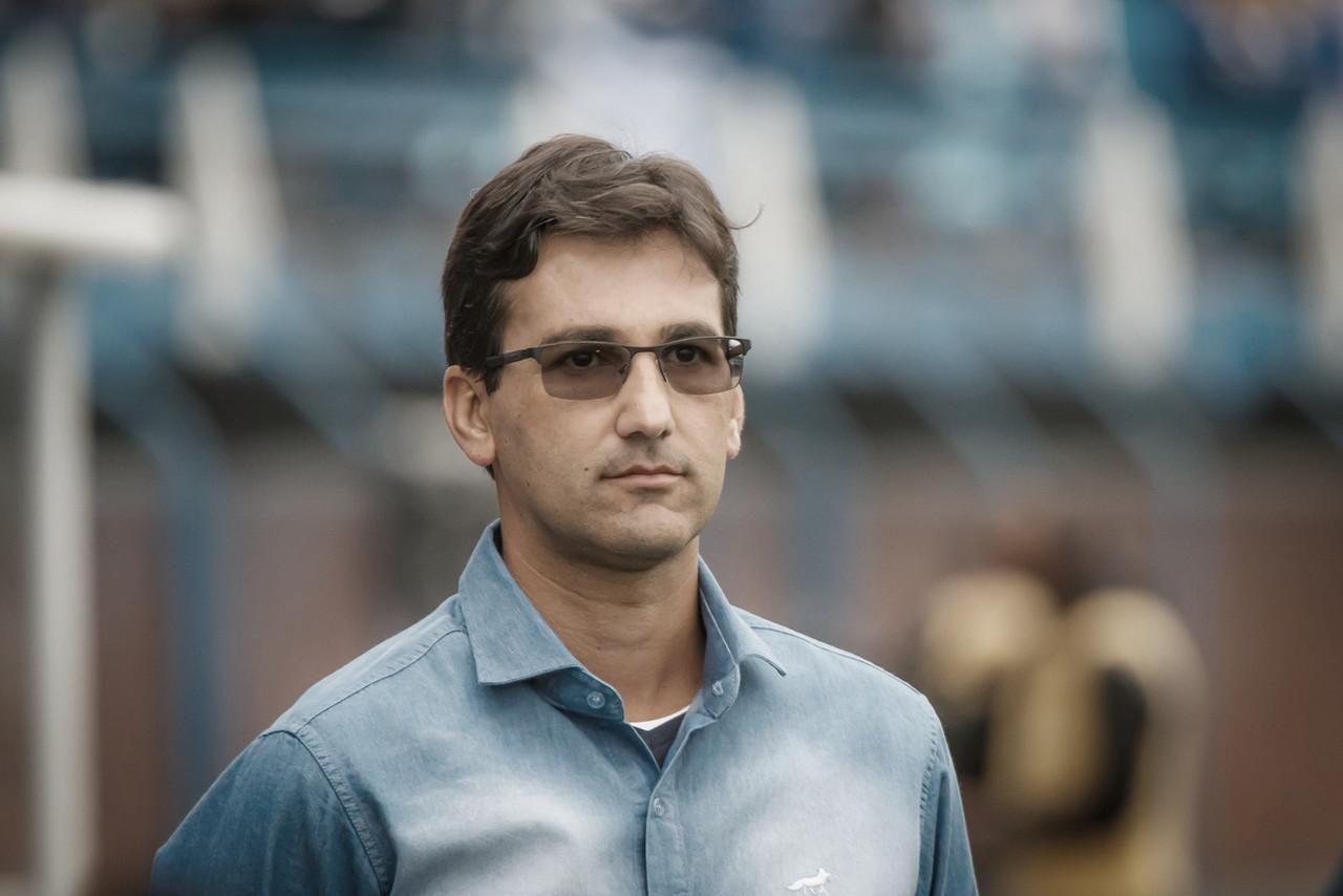Ricardo Resende acredita que empate no fim 'eleva a moral' do Cruzeiro