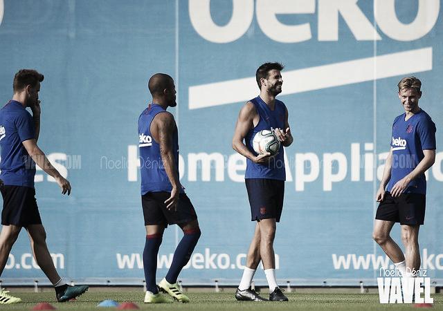 Nueva sesión de entrenamiento del FC Barcelona con cuatro bajas