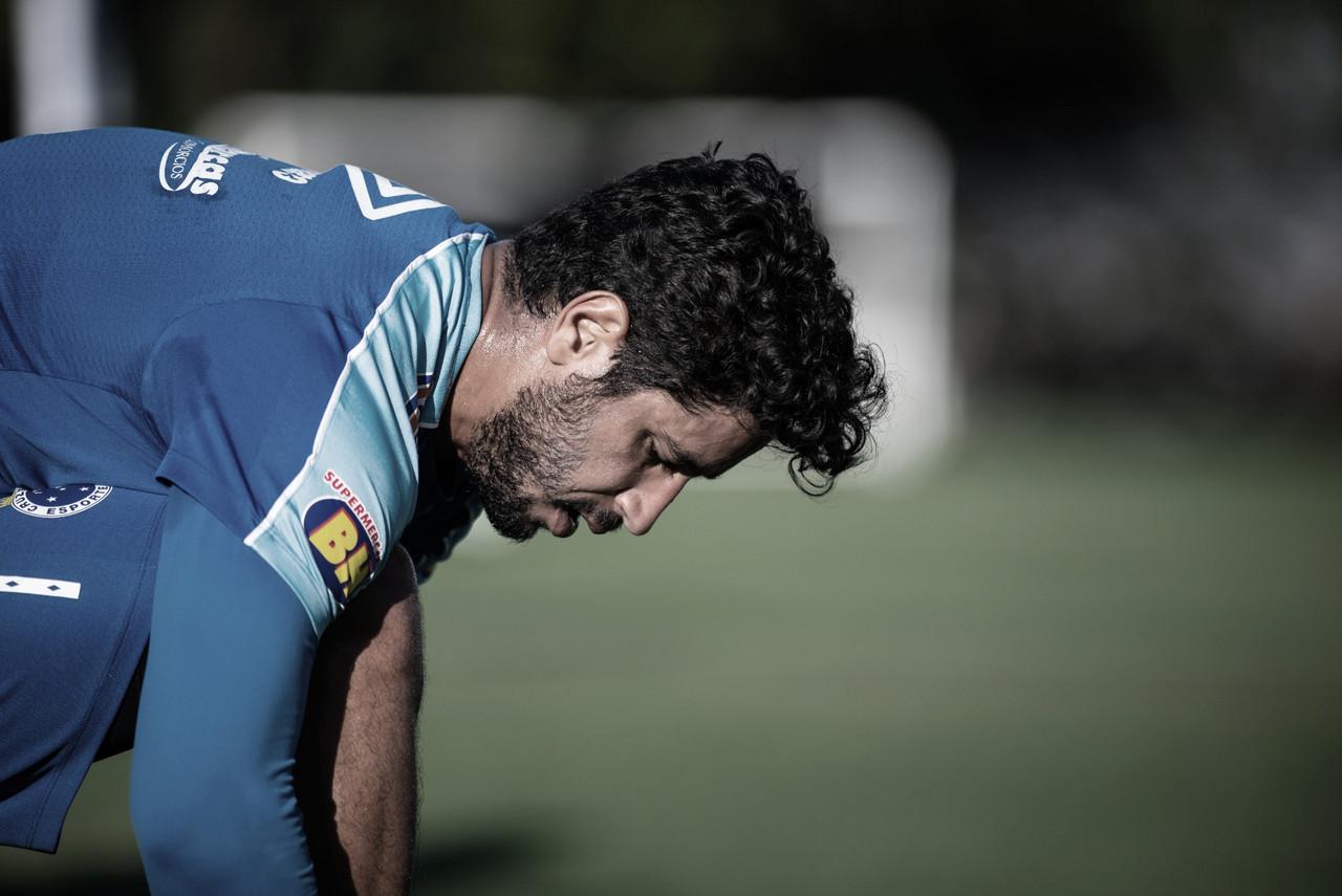 Léo sofre fratura naclavícula e desfalca Cruzeiro por tempo indeterminado