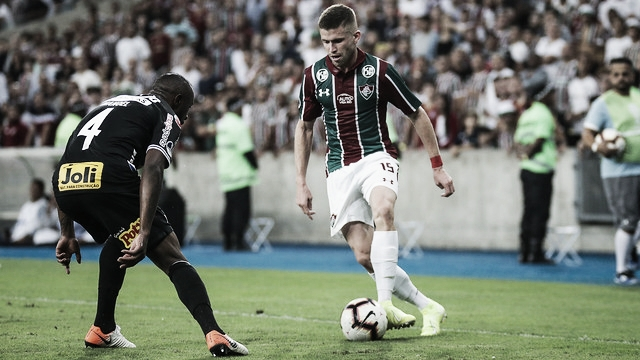 Com objetivos distintos, Fluminense e Corinthians duelam no Mané Garrincha