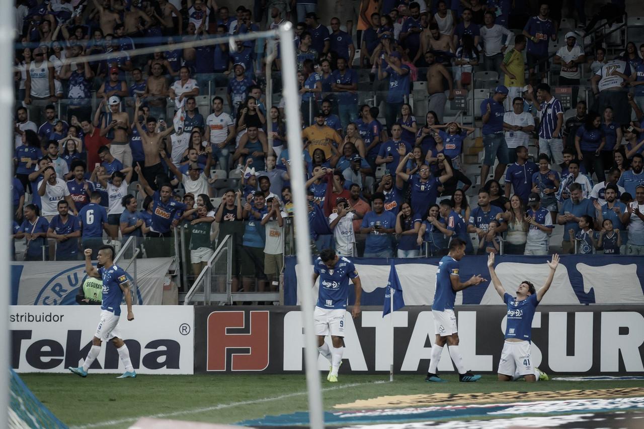 Com Fábio pegando pênalti e joia decidindo, Cruzeiro vence Vasco no Mineirão