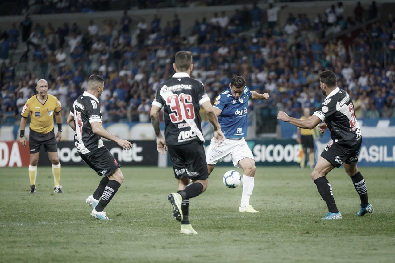 De olho na Sul-Americana, Vasco recebe um Cruzeiro desesperado emSão Januário