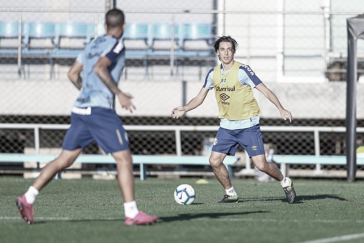 Geromel e Leonardo desfalcam Grêmio por conta de lesões