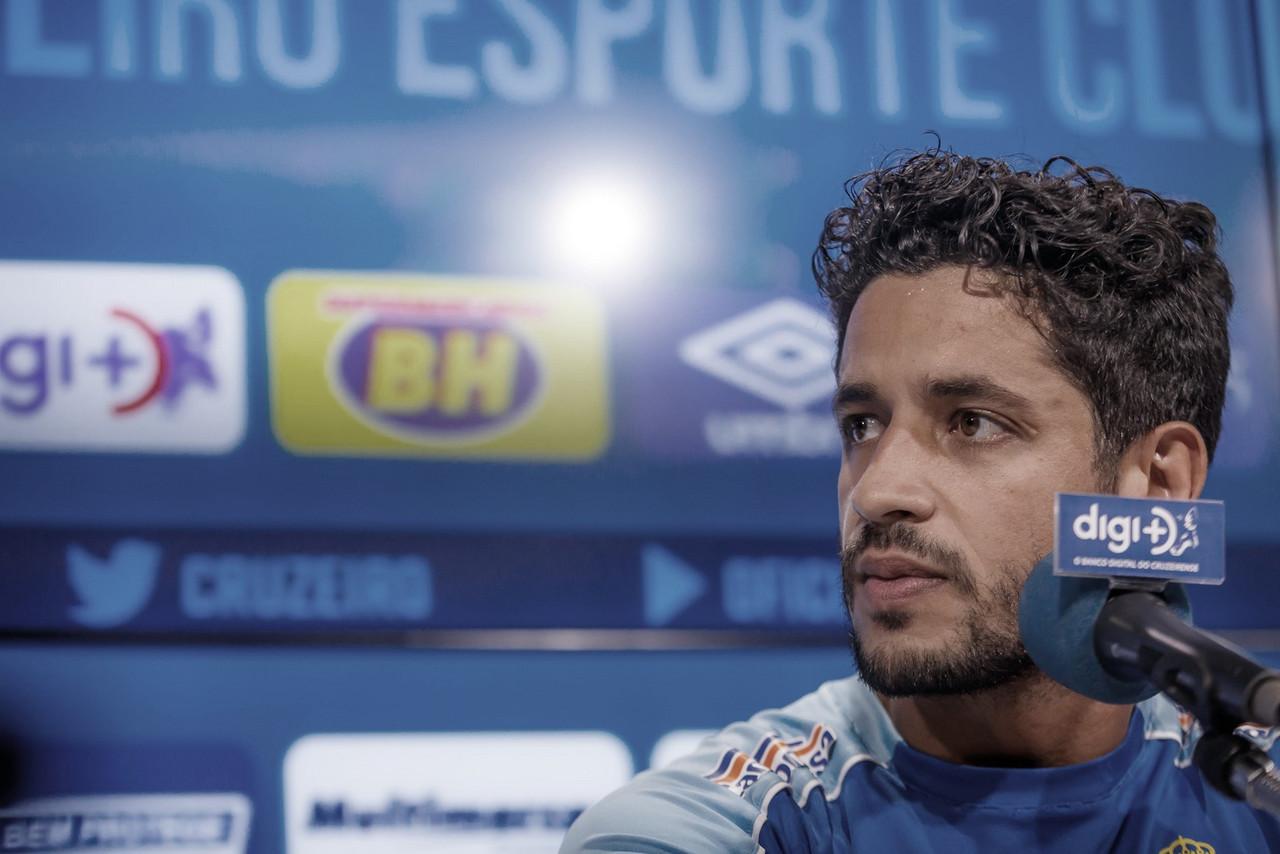 Léo considera 'irrelevantes' possíveis problemas que estariam afetando rendimento do Cruzeiro