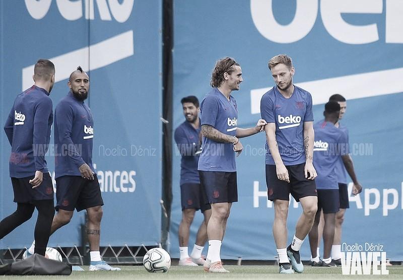 Entreno del FC Barcelona con todo el grupo