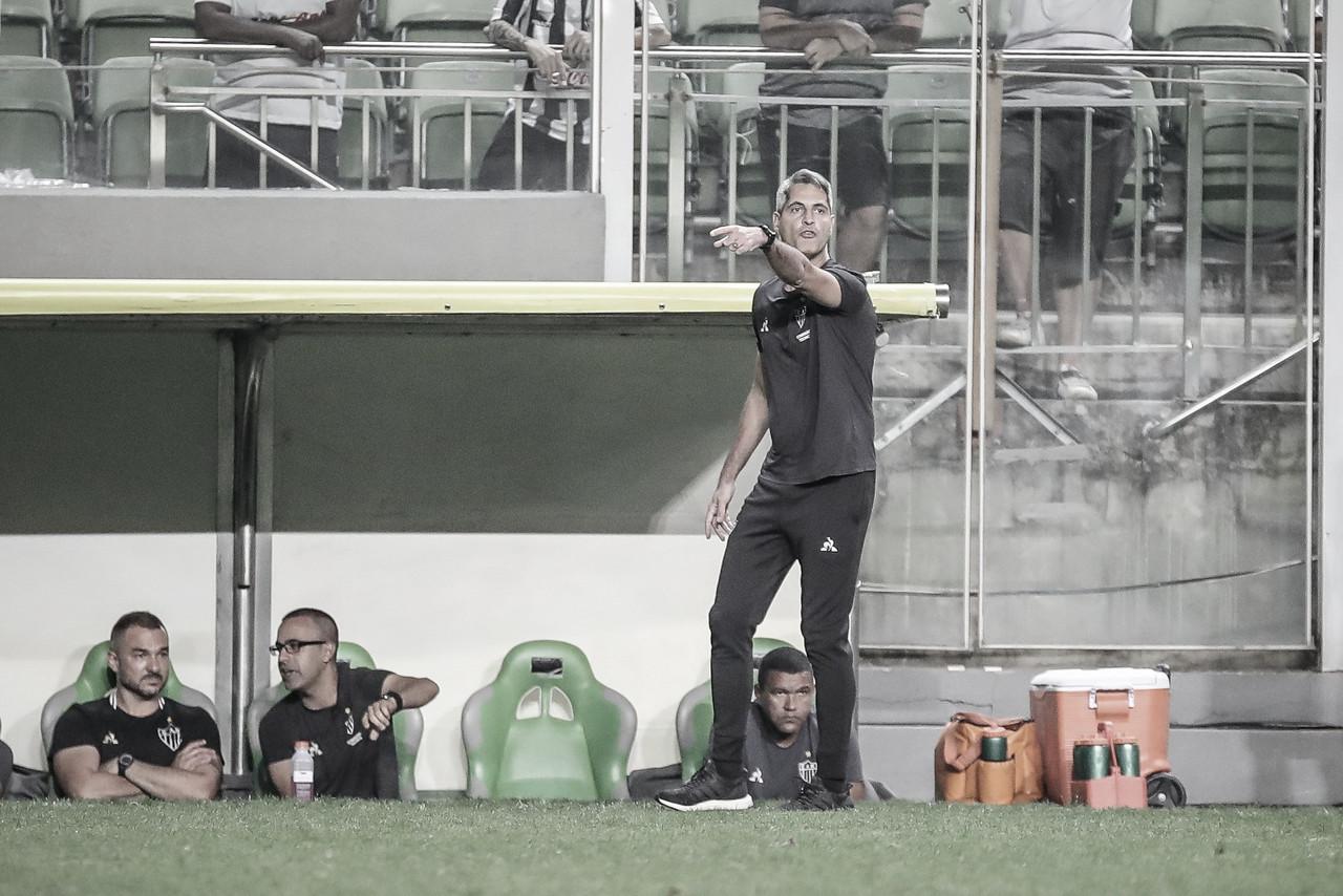 """Após derrota para o Vasco dentro de casa, Rodrigo Santana apela: """"Precisamos nos unir"""""""