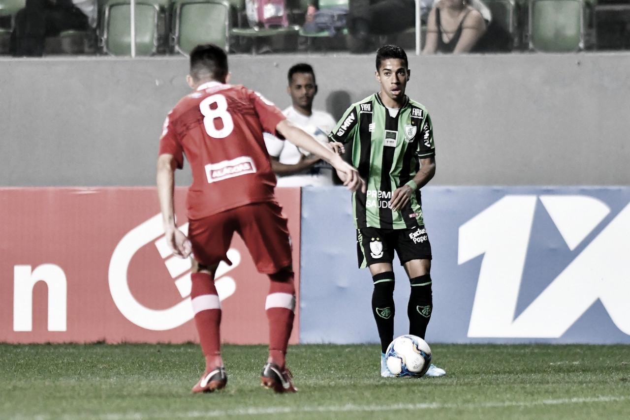 Com gol de Ricardo Silva, América-MG vence CRB e cola no G-4