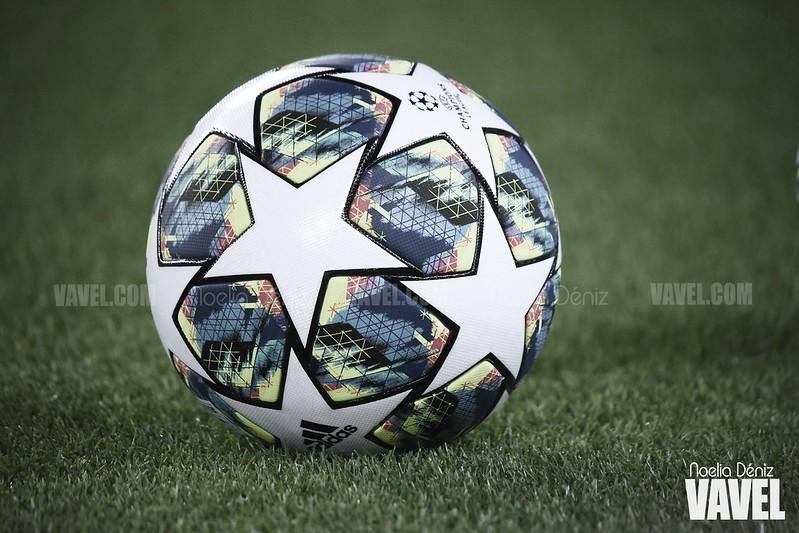 El balón de la Champions en el Camp Nou | Foto: VAVEL
