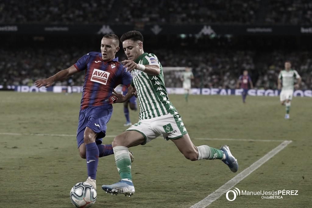"""Álex Moreno: """"Más que ídolo, un referente que me ha gustado siempre es Messi"""""""
