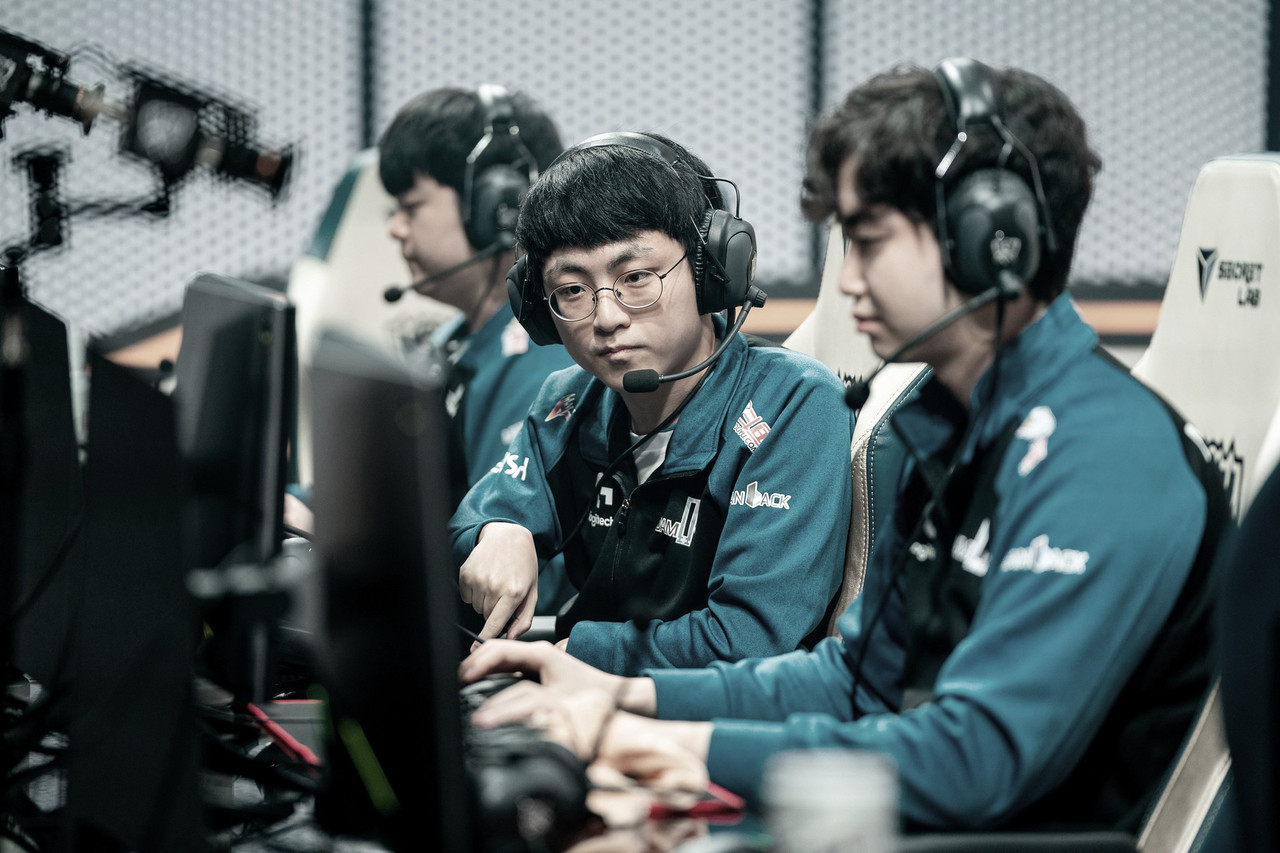 Damwon Gaming vence Dragon X nas quartas e avança à semifinal do Worlds