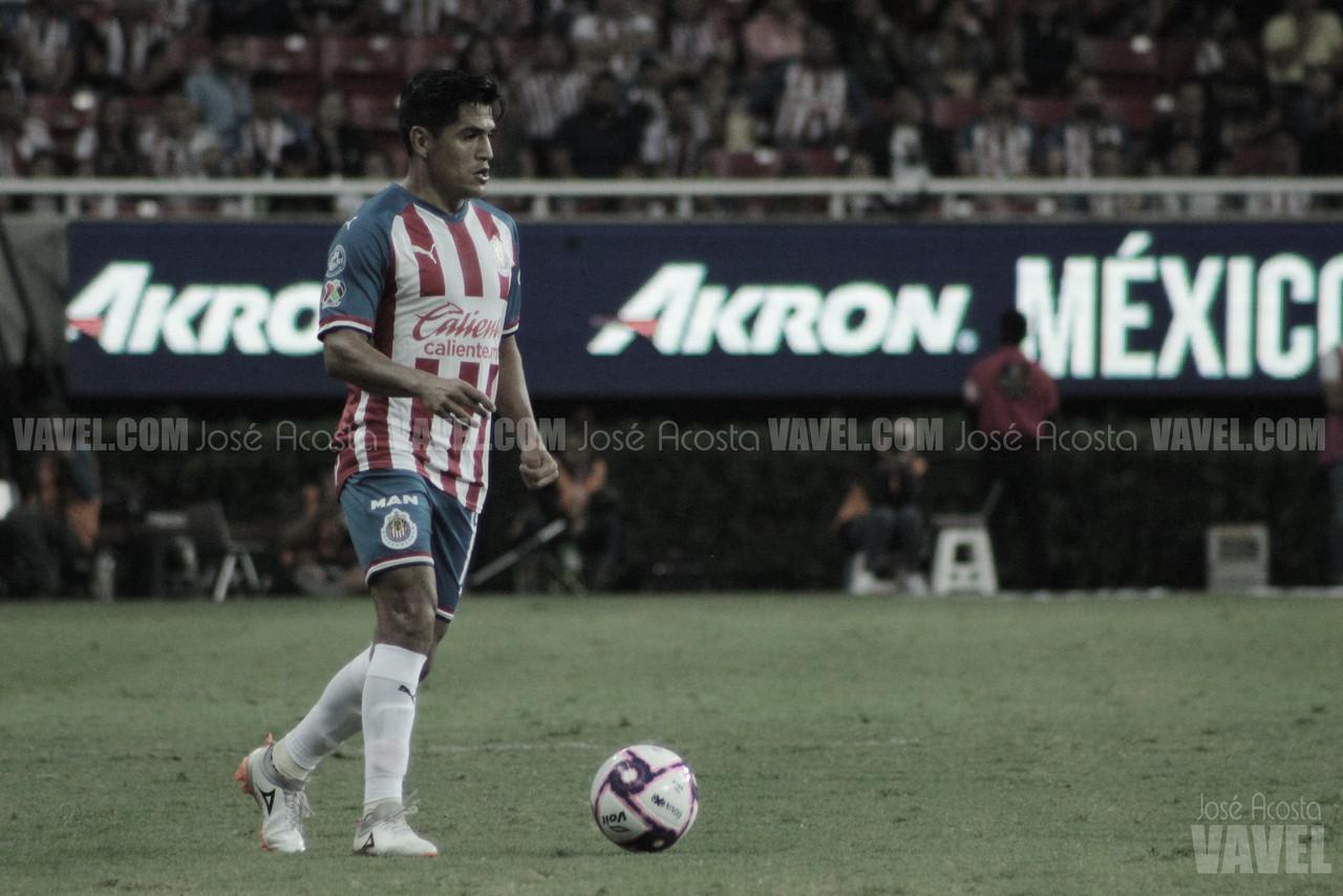 Jesús Sánchez es baja de Chivas por lesión en el ojo izquierdo