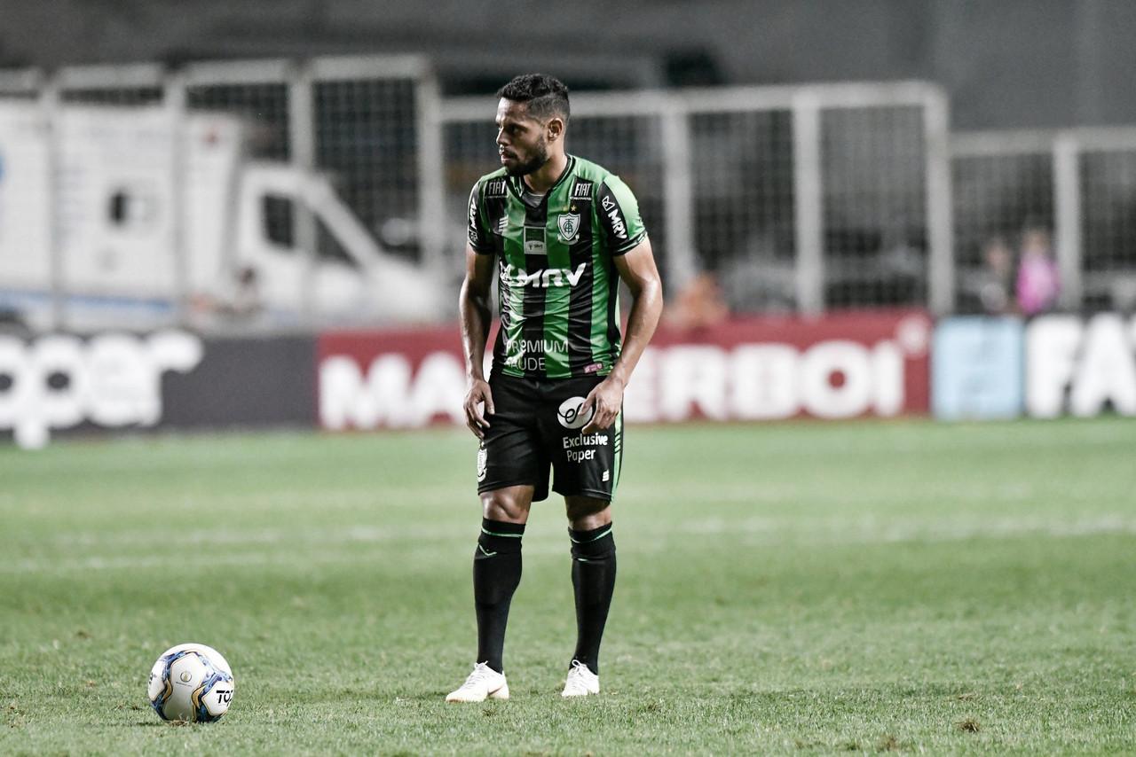 Lesão, férias e sequência: João Paulo analisa temporada no América-MG