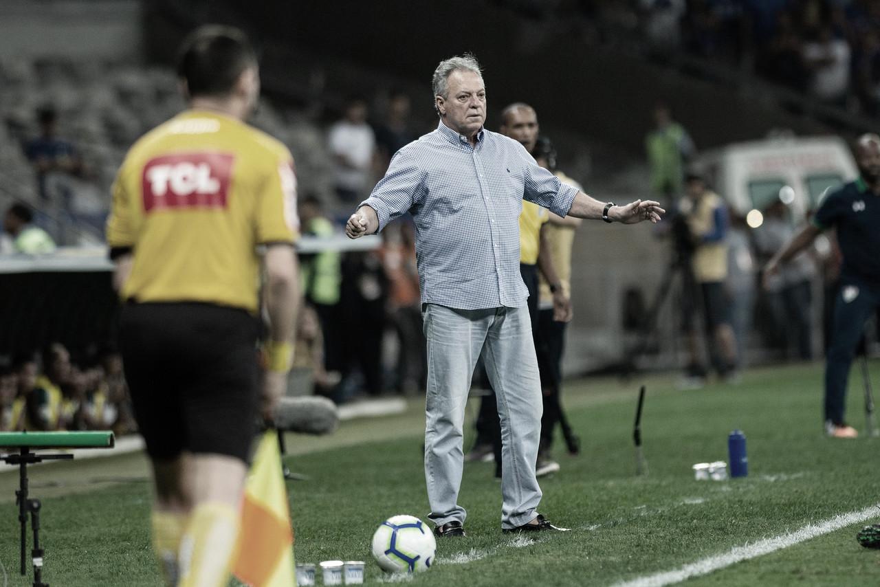 """Após empate contra Flu, Abel liga alerta no Cruzeiro, mas reforça: """"Não vamos nos entregar"""""""