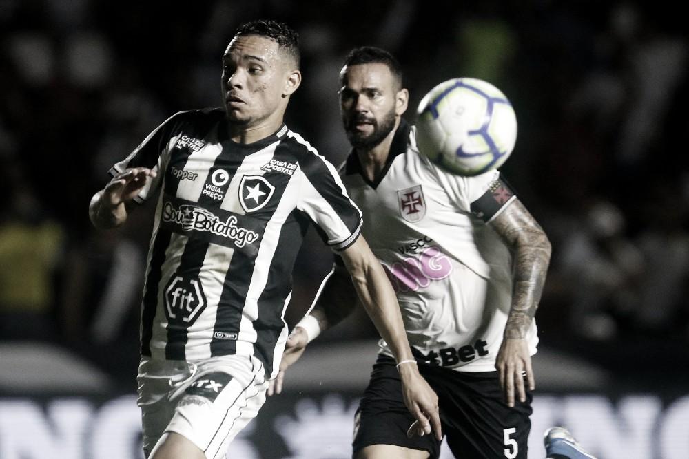Embalado, Botafogo mede forças contra turbulento Vasco na Taça Guanabara