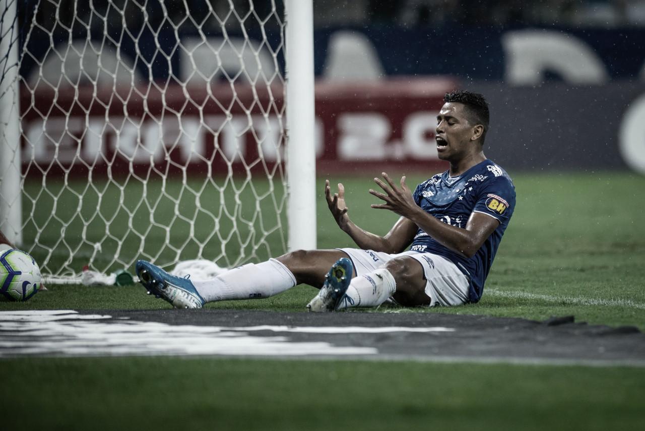 Fifa impõe ordens de pagamentos em R$ 14 milhões ao Cruzeiro por dívidas a ex-atletas
