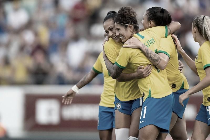 Com dois de Cristiane, Brasil goleia o México novamente e encerra o ano invicto