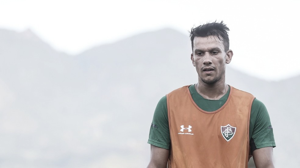 Henrique não é mais jogador do Fluminense e retorna para o Cruzeiro