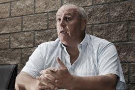 Spahn dijo que su renuncia siempre está a disposición de la comisión directiva
