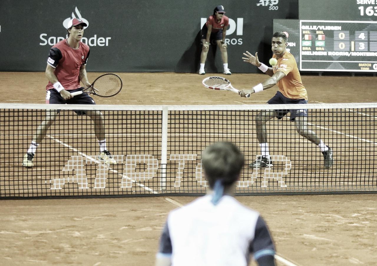 Monteiro perde para Balazs em simples, mas avança na chave de duplas do Rio Open