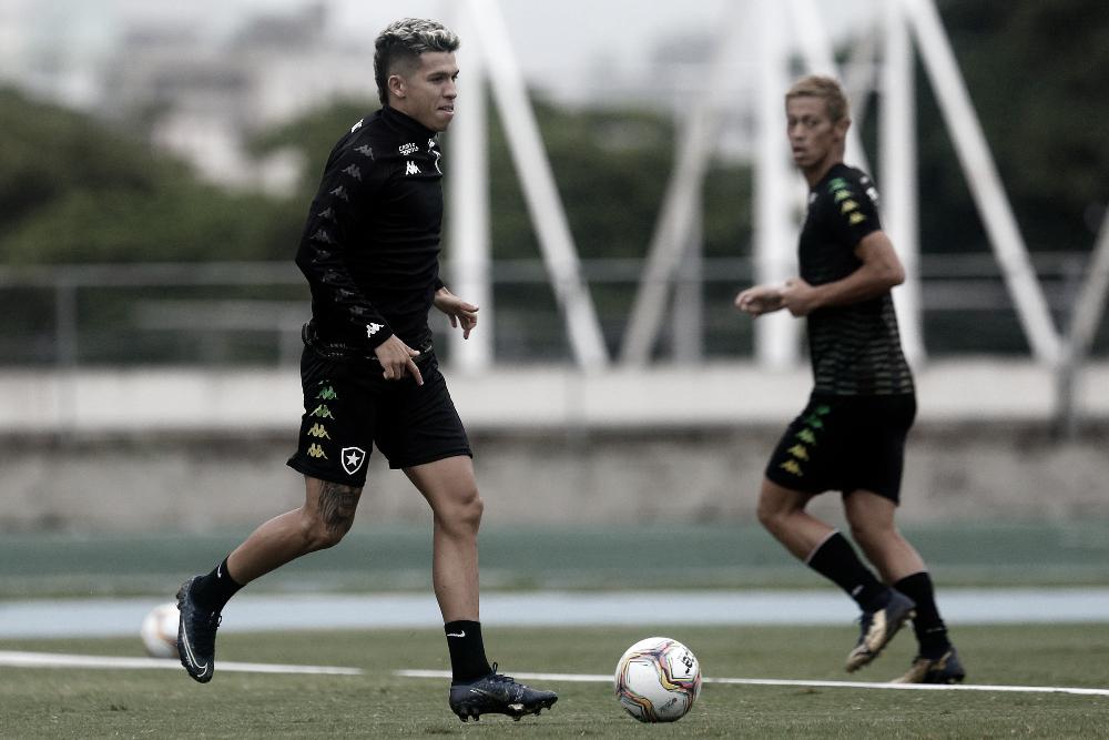 A dúvida que paira no Botafogo: Honda e Bruno Nazário conseguem jogar juntos?