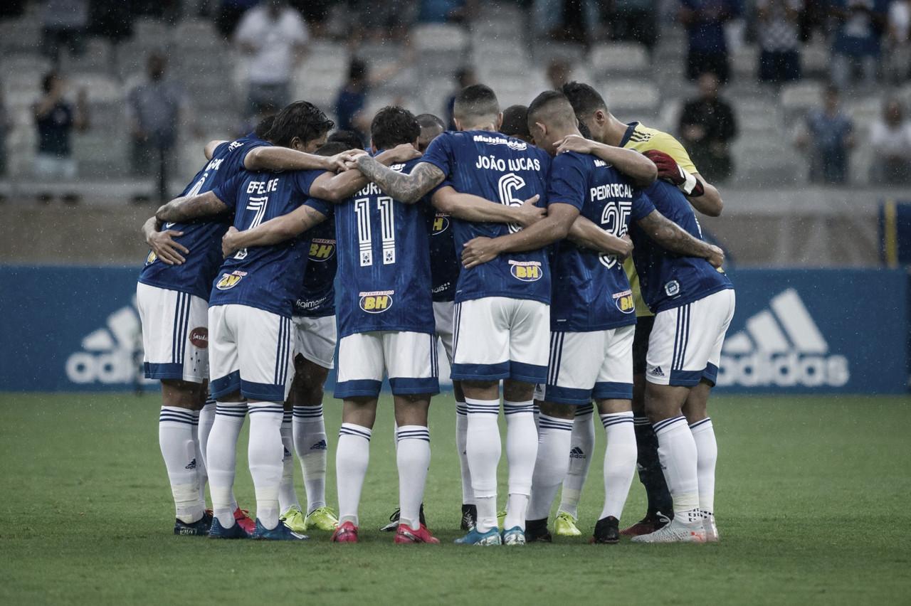 Dos 36 jogadores do Cruzeiro, apenas sete têm idade que agrada Enderson Moreira