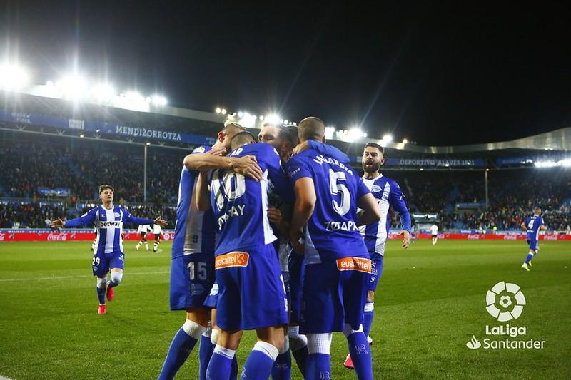 El Deportivo Alavés confirma dos casos de coronavirus dentro del club