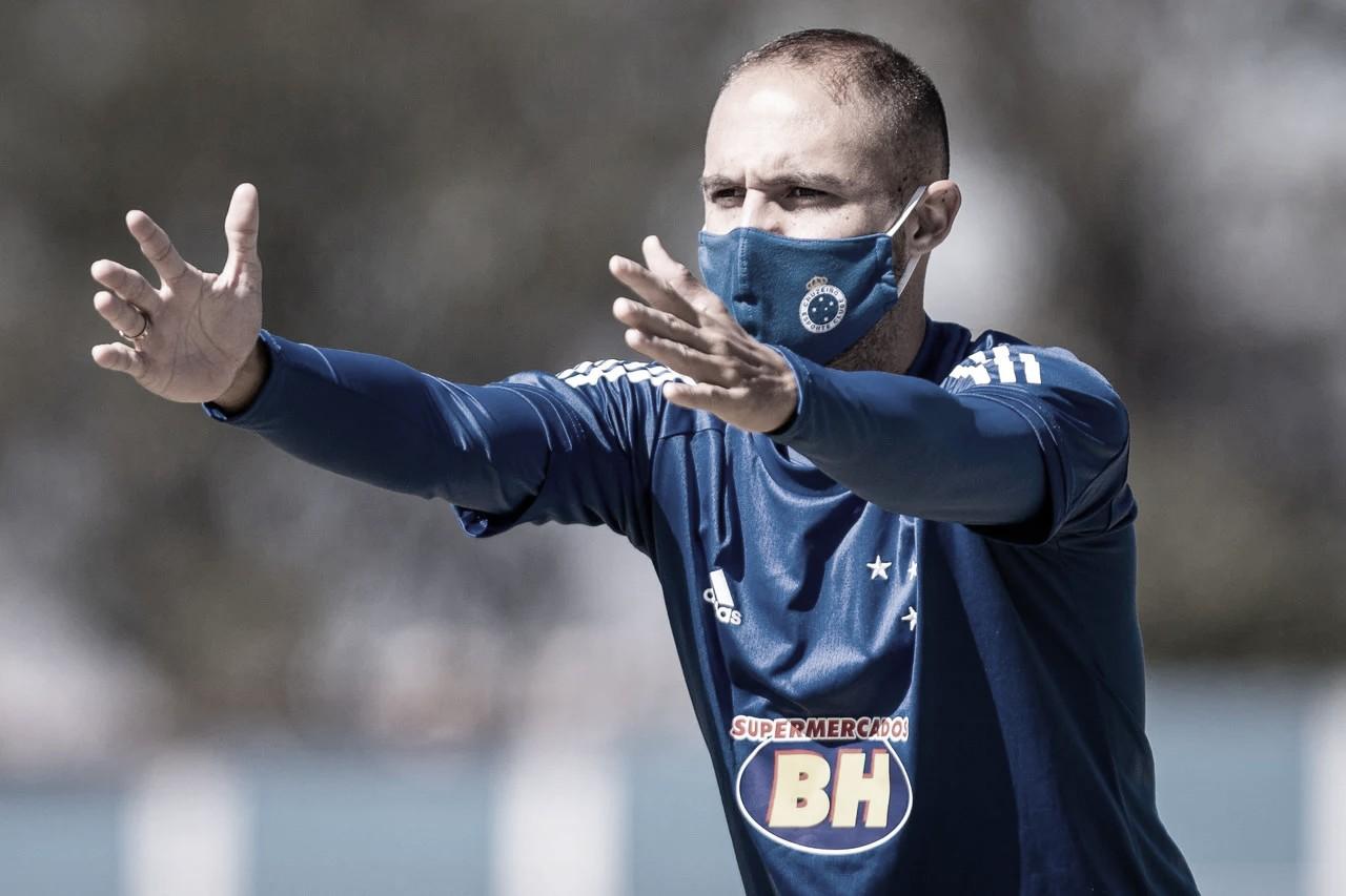 """Régis adianta possível postura do Cruzeiro: """"Procurar o gol a todo momento"""""""