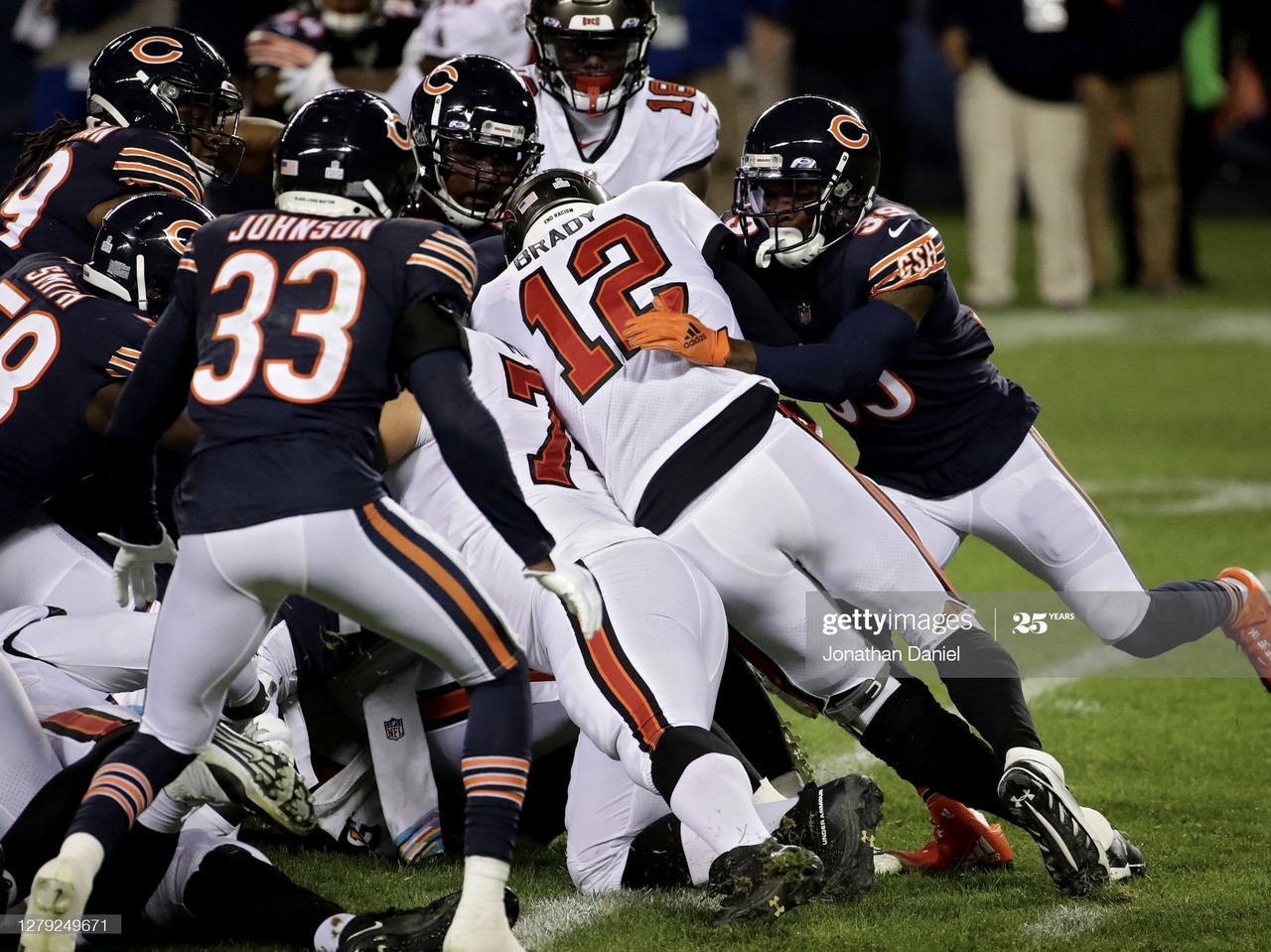 Tampa Bay Buccaneers 19-20 Chicago Bears: Nick Foles gets the better of Tom Brady