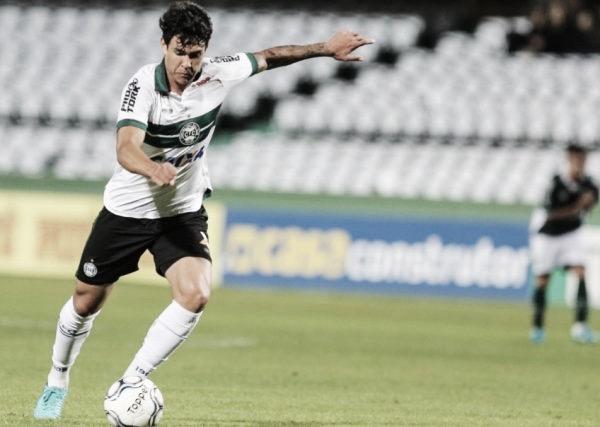 Após derrota dura, Coritiba defende liderança diante da Ponte Preta