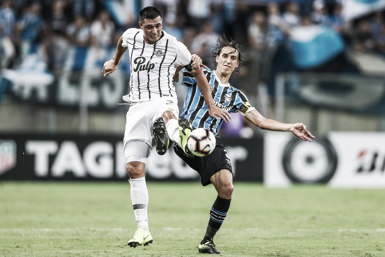 Grêmio visita Libertad visando manter chances de classificação na Libertadores