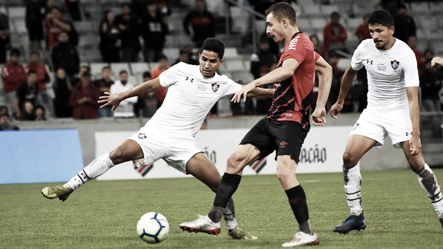 Após derrotas seguidas, desfalcado Athletico recebe Fluminense em busca de reabilitação