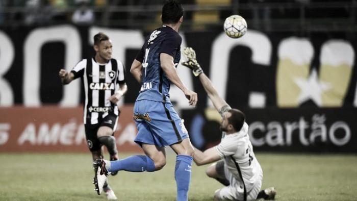 Marquinhos Gabriel perde pênalti e Corinthians é derrotado pelo Botafogo no Brasileirão
