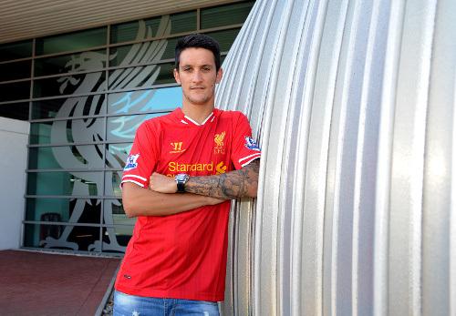 Liverpool anuncia a contratação de Luis Alberto